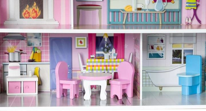 Drewniany domek dla lalek D12